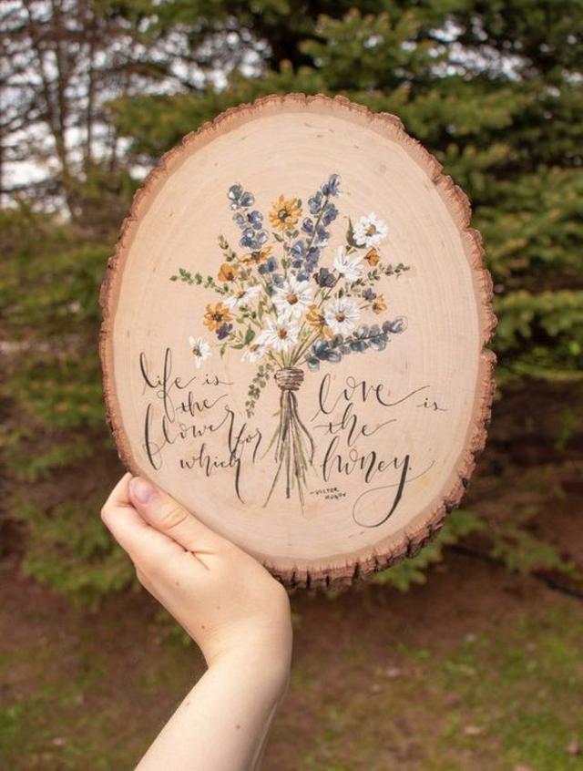 Quadrinho de madeira com flores