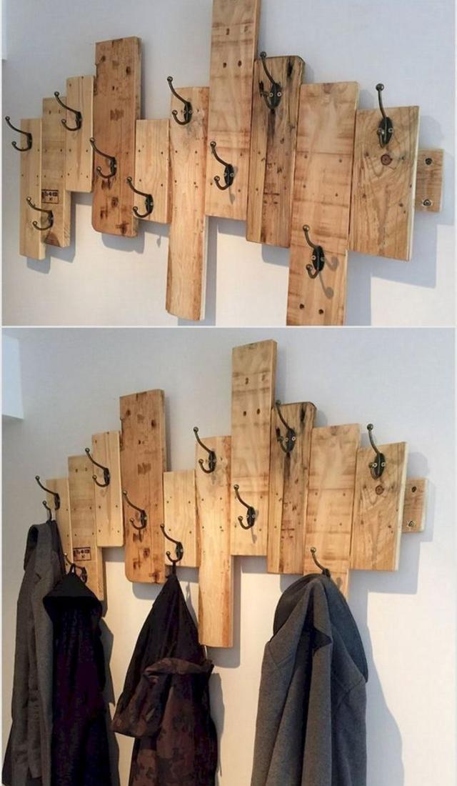 Porta casacos de madeira