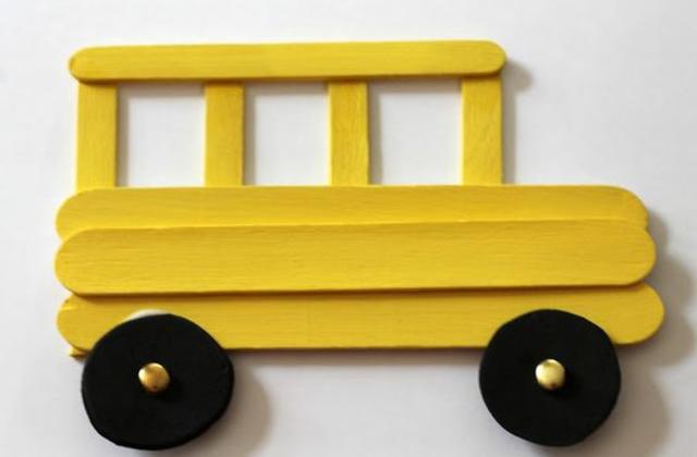 Ônibus de palito de picolé