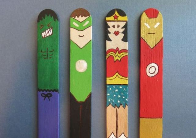 Super-heróis de palito de picolé