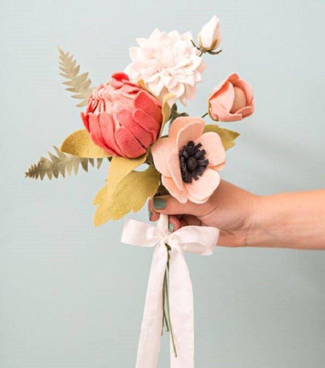 Buquê de flores de feltro