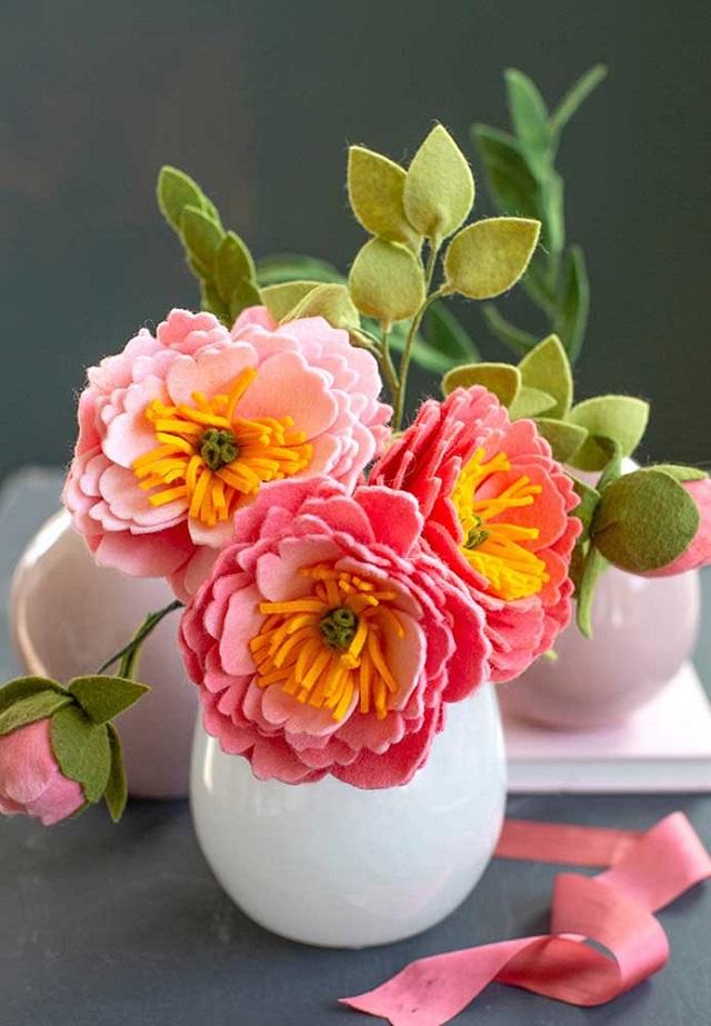 Arranjo de flores de feltro