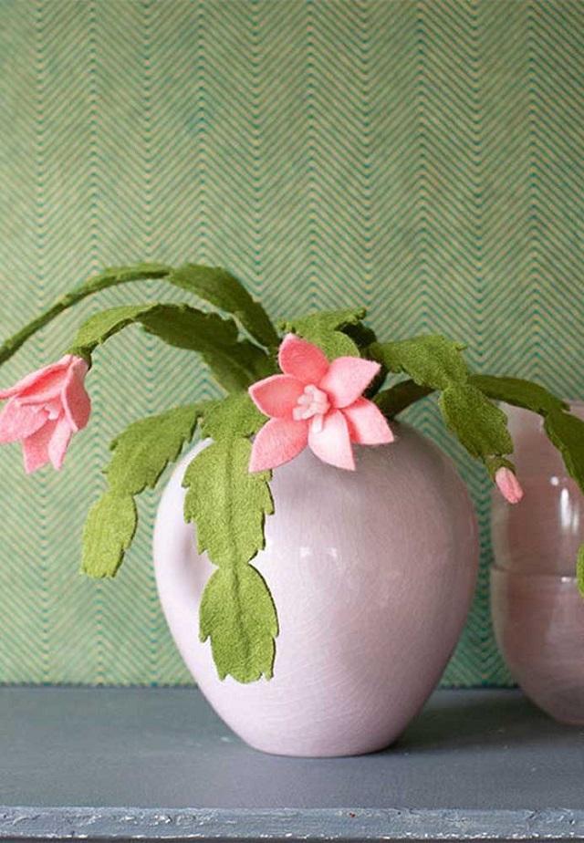 Vaso com flores de feltro