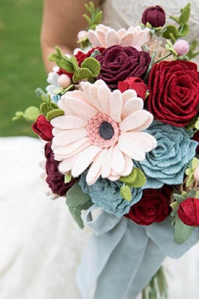 Buquê com flores de feltro