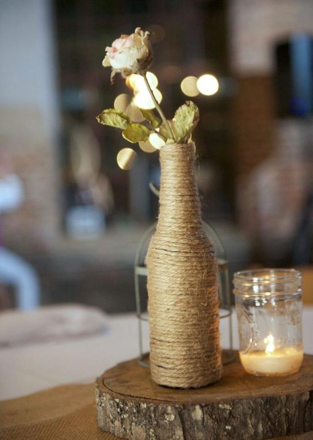 Garrafa decorada com barbante de sisal