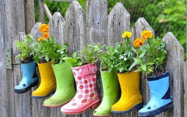 Vasos feitos com botas