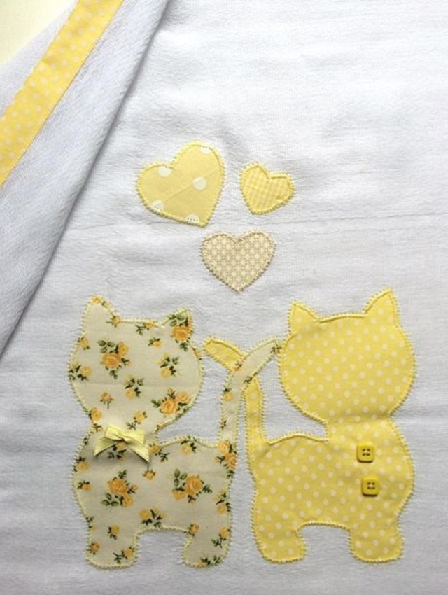 Pano de prato patchwork de gatinhos e corações