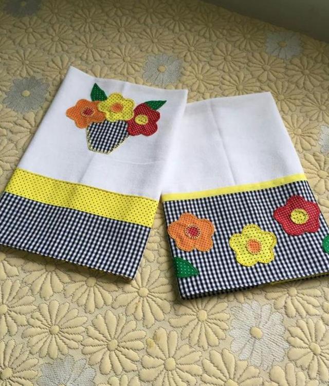 Pano de prato patchwork  de flores