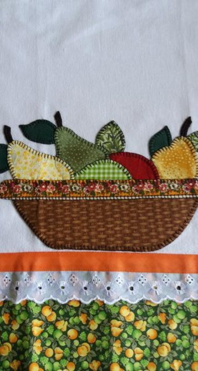Pano de prato patchwork de cesta com frutas