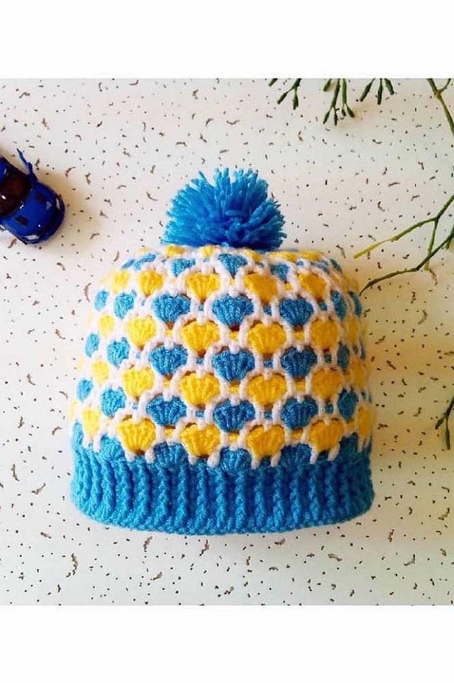 Touca de crochê azul e amarelo