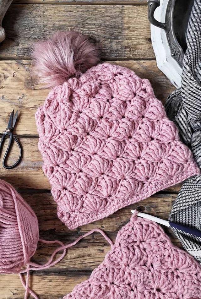 Touca de crochê com pompom