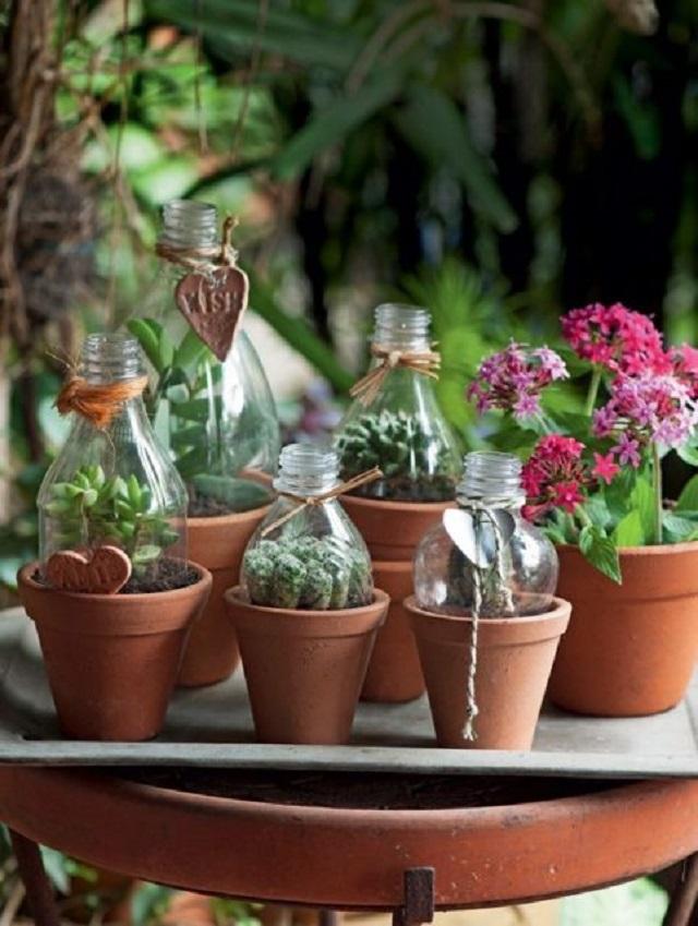 Vasinhos de barro com garrafas pet