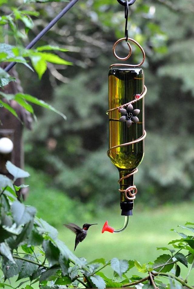 Bebedouro para pássaros de garrafa de vidro