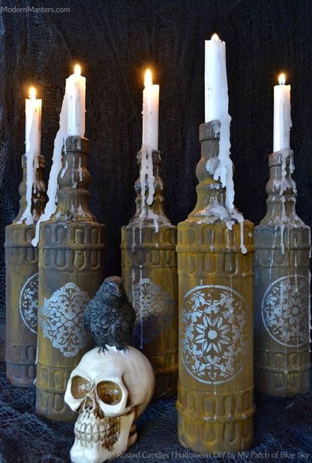 Castiçais de garrafa de vidro
