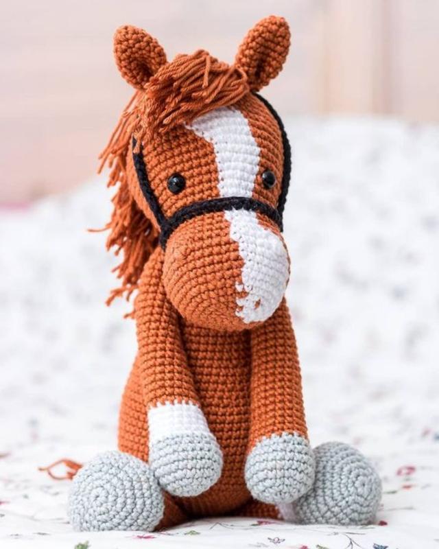 Cavalo de amigurumi