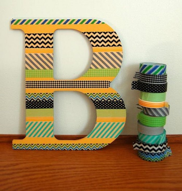 Letra 3D com fitas adesivas