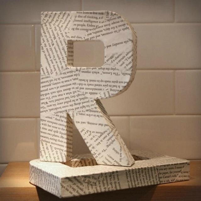 Letra 3D com decoupage de jornal