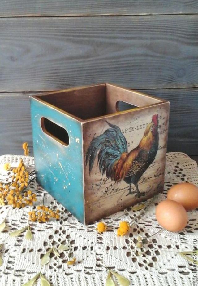 Caixa com decoupage em madeira