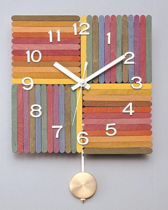 Relógio feito com palito de picolé