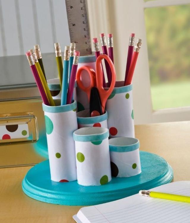 Porta canetas de rolo de papel higiênico