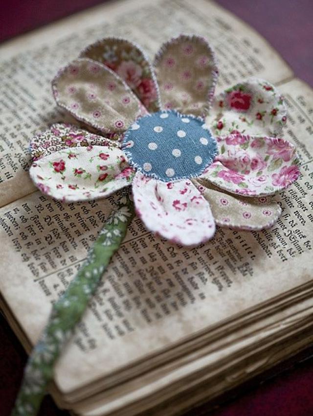 Flor de retalhos de tecido