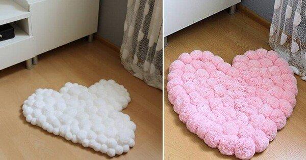 Tapete de pompom em formato de coração