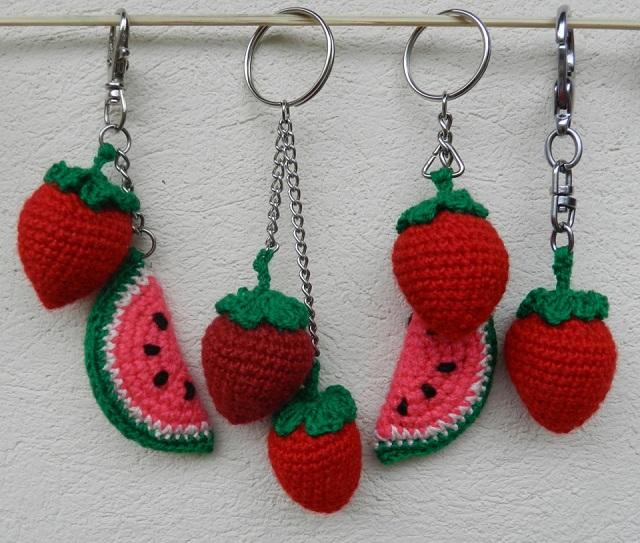 Chaveiros de frutas de amigurumi