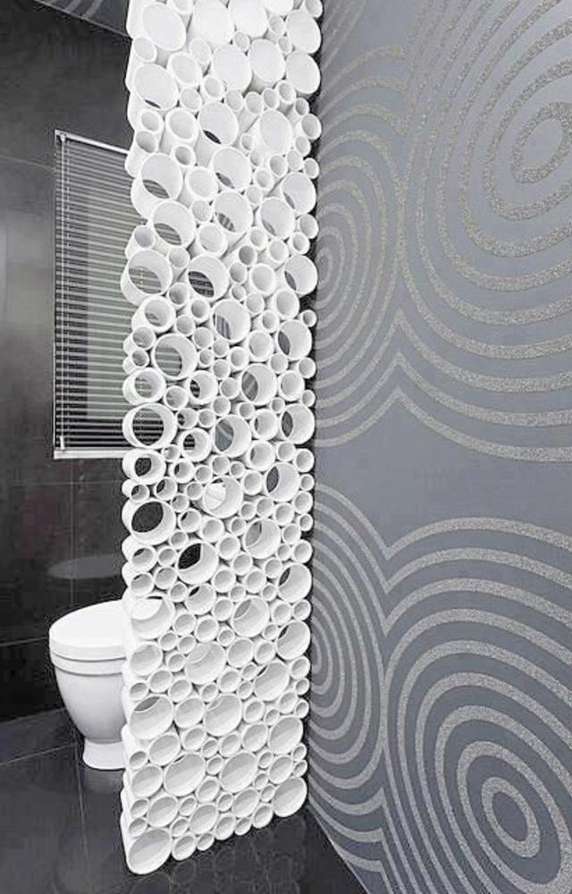 Divisória para banheiro feita com cano PVC