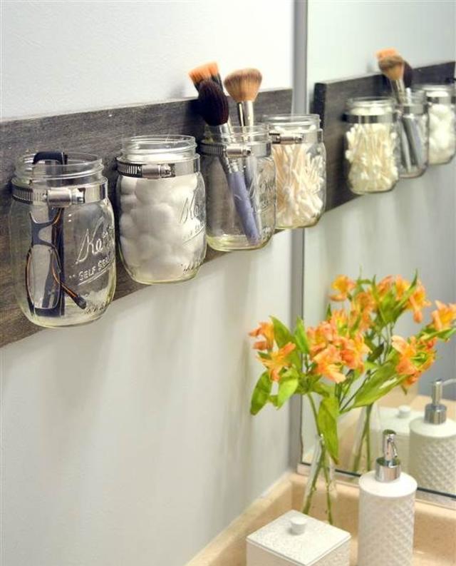 Potes de vidro para decorar banheiro