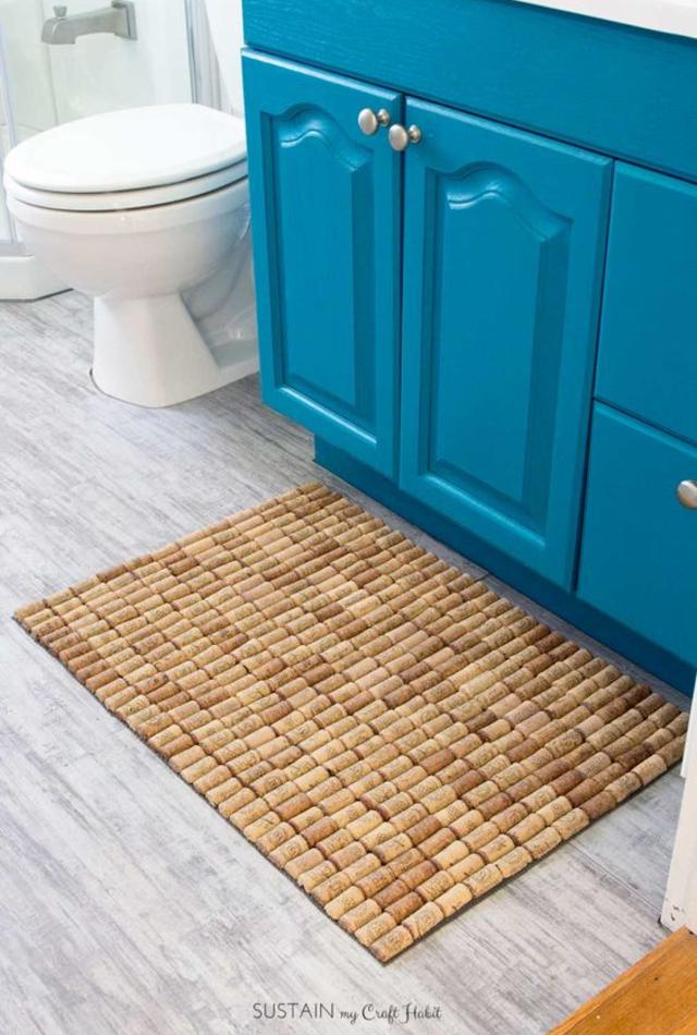 Tapete de rolhas para banheiro