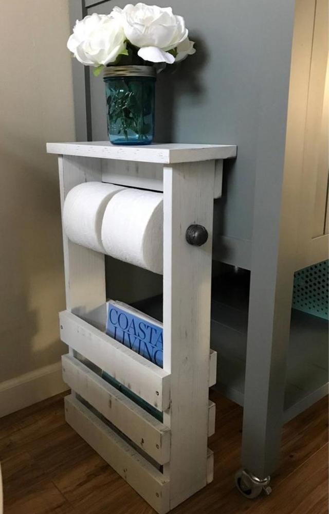 Decoração de banheiro feita com caixotes