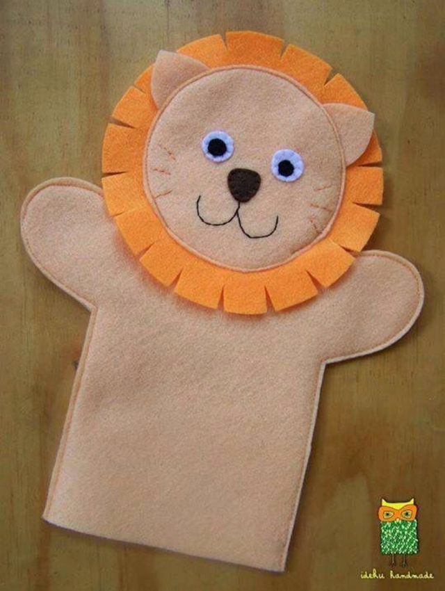 Fantoche de leão de feltro