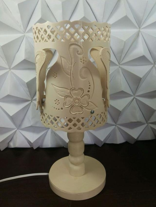 Luminária de PVC com desenhos