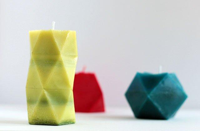 Velas geométricas coloridas