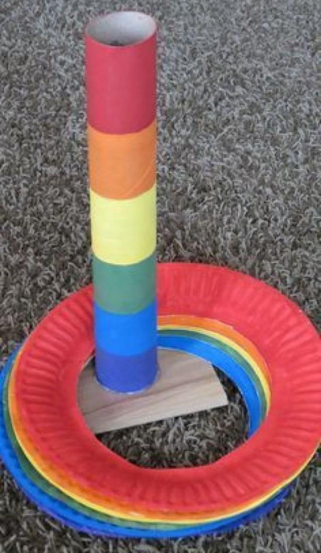 Jogo de argola com materiais recicláveis