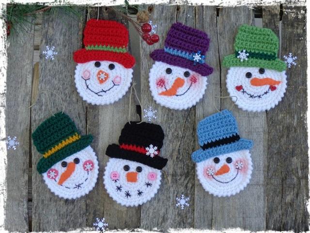 Bonecos de neve crochê