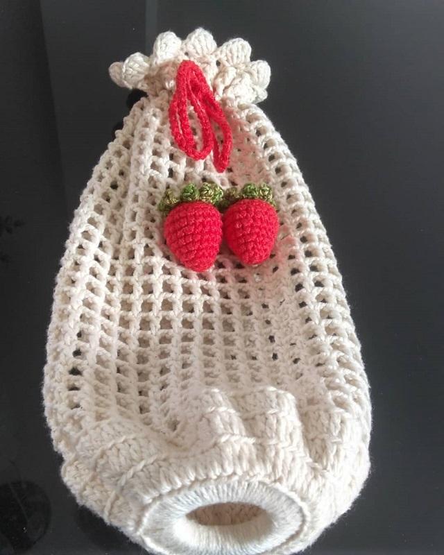 Puxa saco de crochê morango
