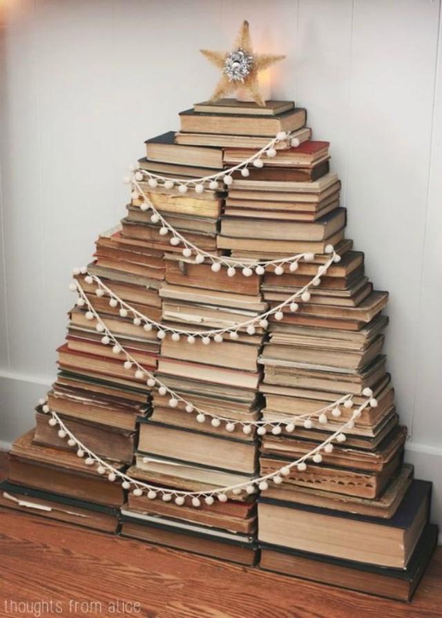 árvore de natal artesanal de livros