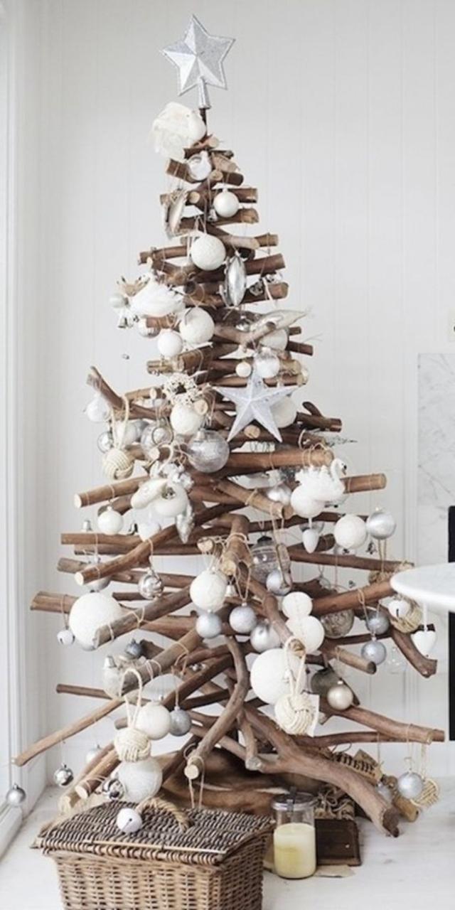 árvore de natal artesanal de galhos de madeira