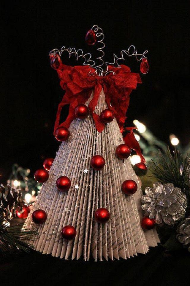 Árvore de natal feita com papel