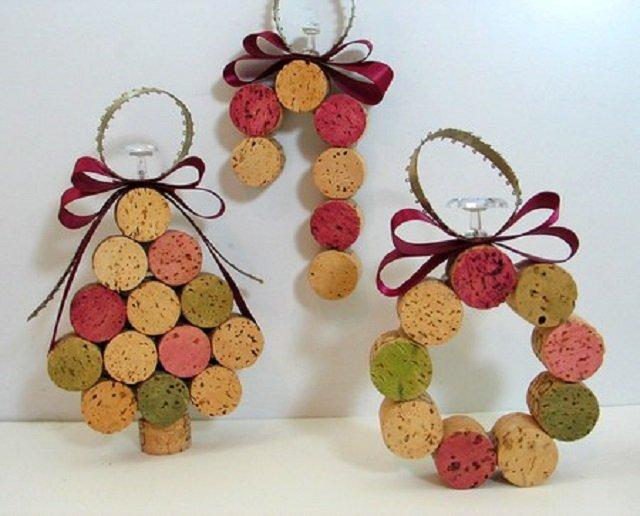 Enfeites de Natal feitos com rolhas