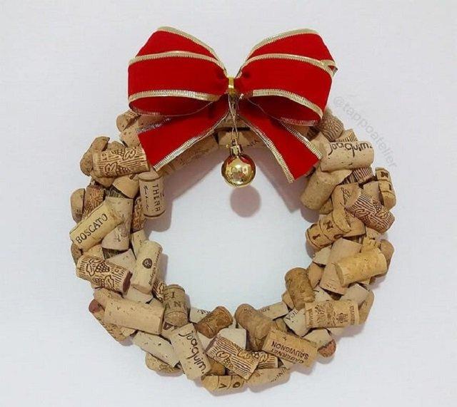 Guirlanda de Natal com rolhas