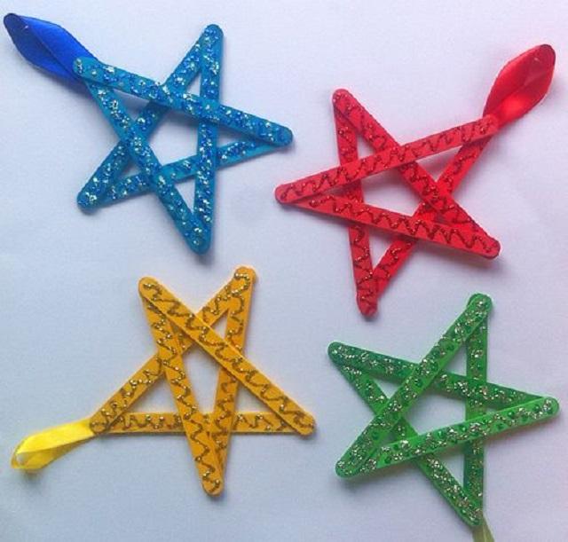 Estrela de Natal com palito de picolé