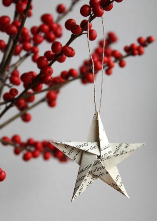 Estrela de Natal de jornal
