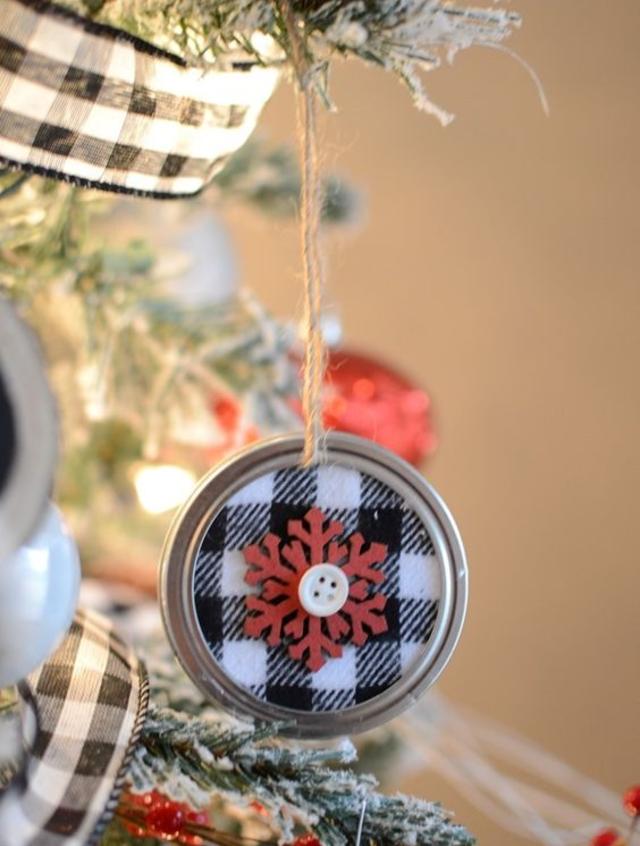 Pingente reciclado para árvore de Natal