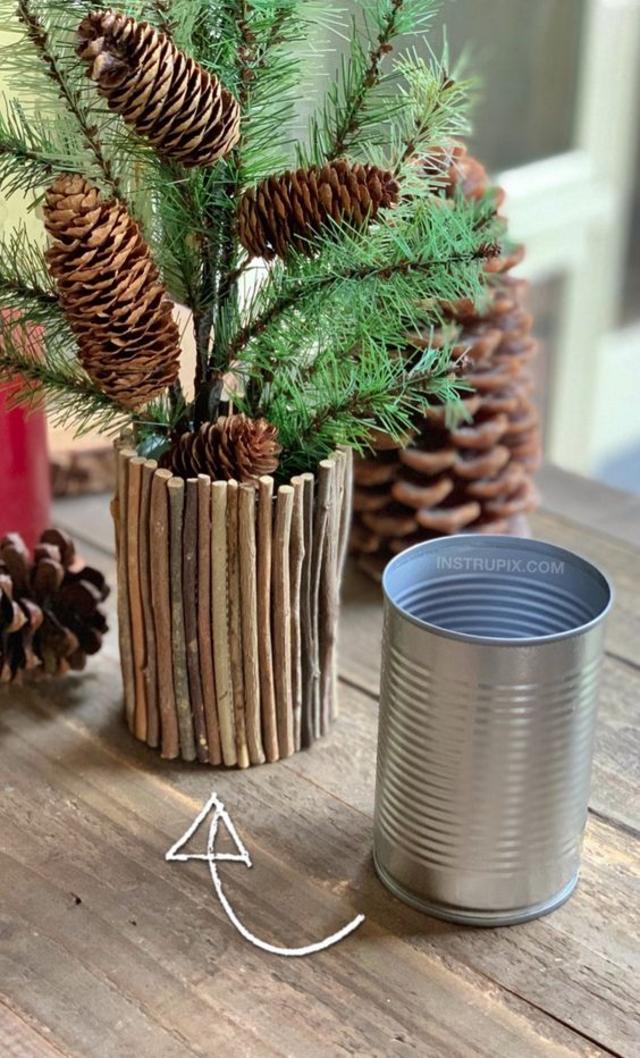Enfeite de mesa de Natal com pinhas