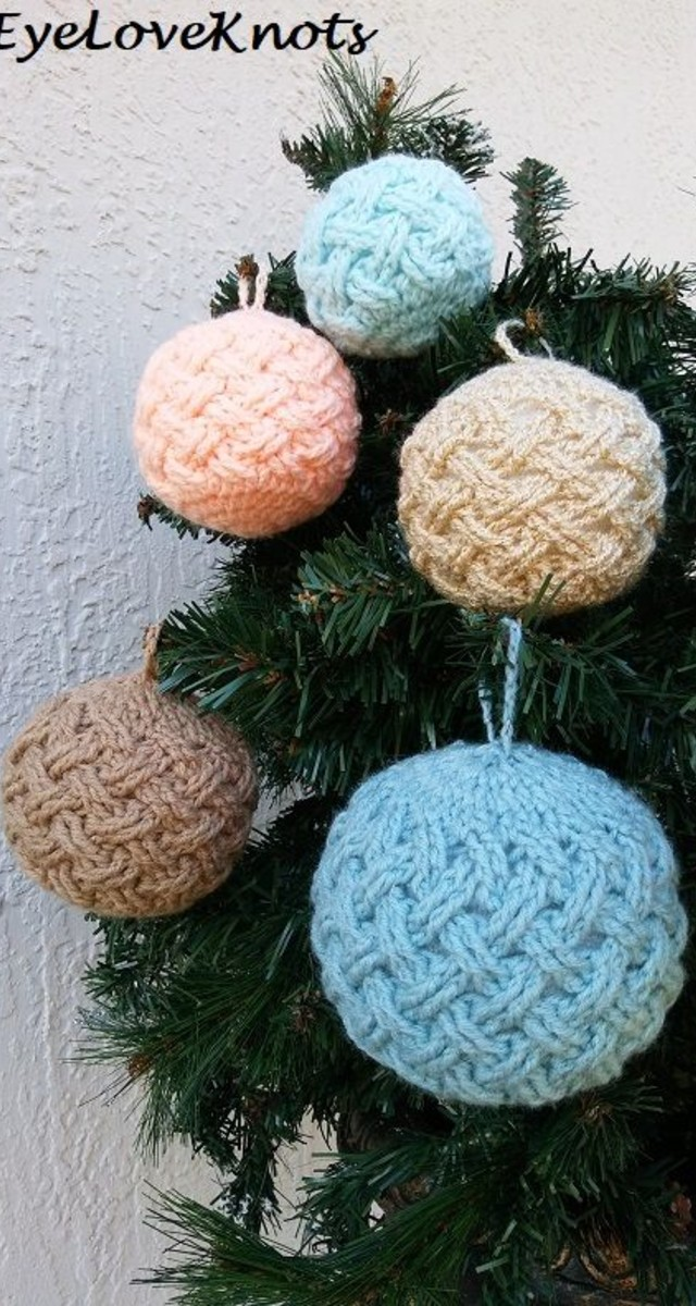 Bolas de Natal de crochê