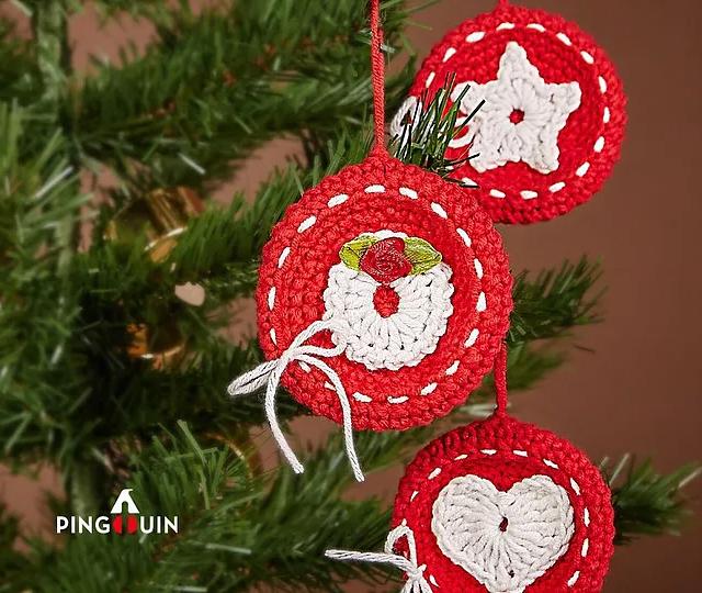 Pingente de árvore de Natal de crochê